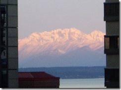 mountain_range_from_hotel